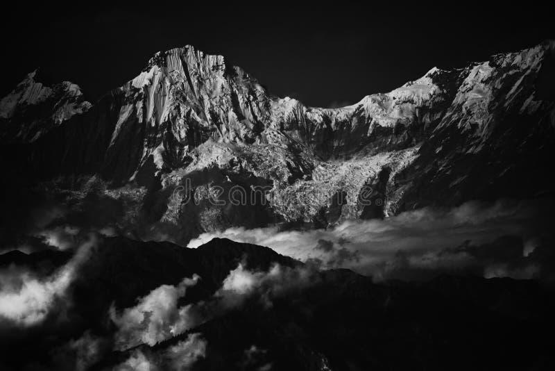Nieve en la montaña de everest del pico de Himalaya imagen de archivo