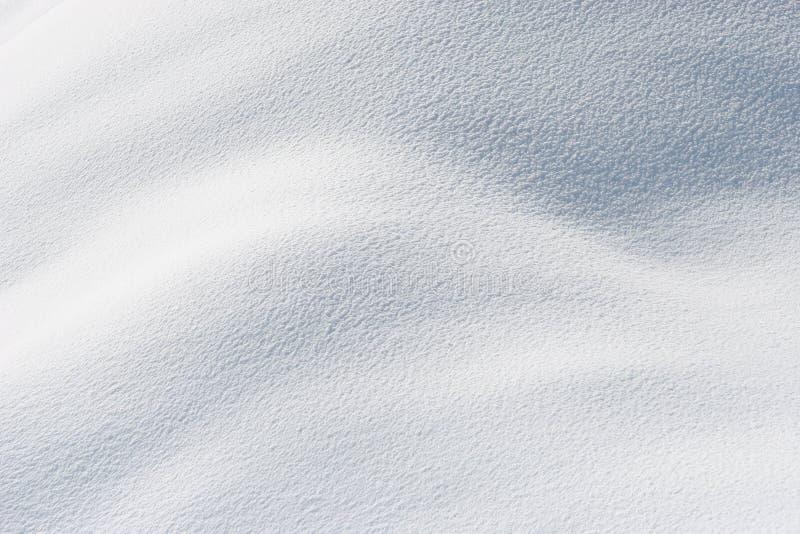 Nieve fresca en sol fotos de archivo