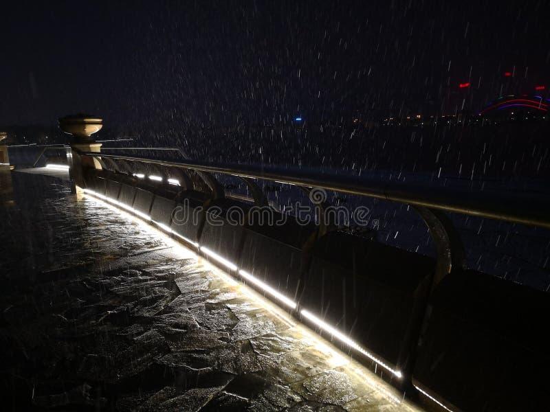 nieve y luces imagen de archivo libre de regalías