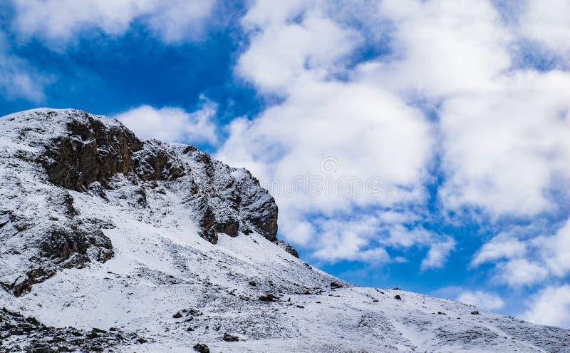 Nieve y Nubes, Śnieżne n chmury/ zdjęcie royalty free