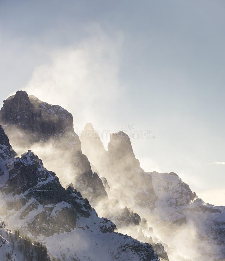 Nieve y viento imágenes de archivo libres de regalías