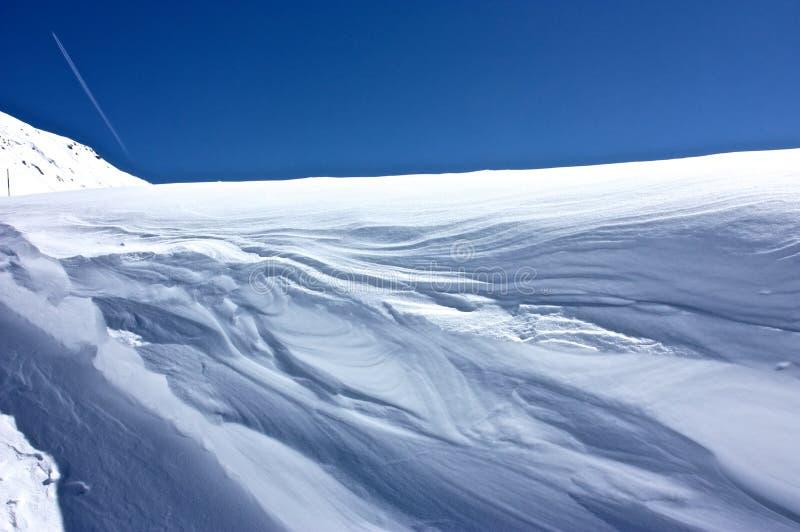 Nieve y viento fotografía de archivo libre de regalías