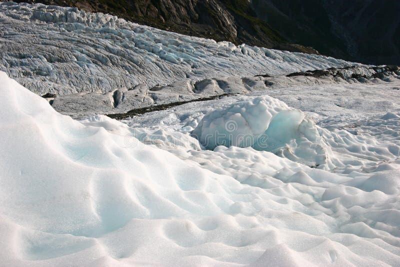Niewygładzeni lodowa lodu kawały na górze zdjęcia royalty free