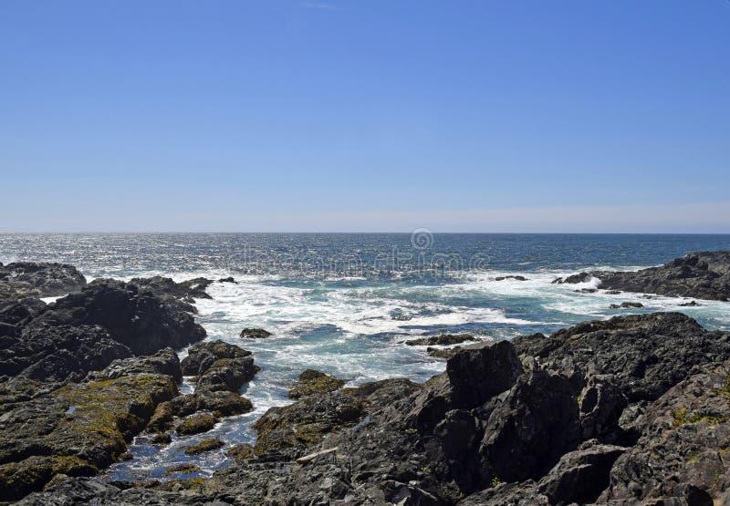 Niewygładzona kraje basenu oceanu spokojnego linia brzegowa przy Amphitrite punktem zdjęcie stock