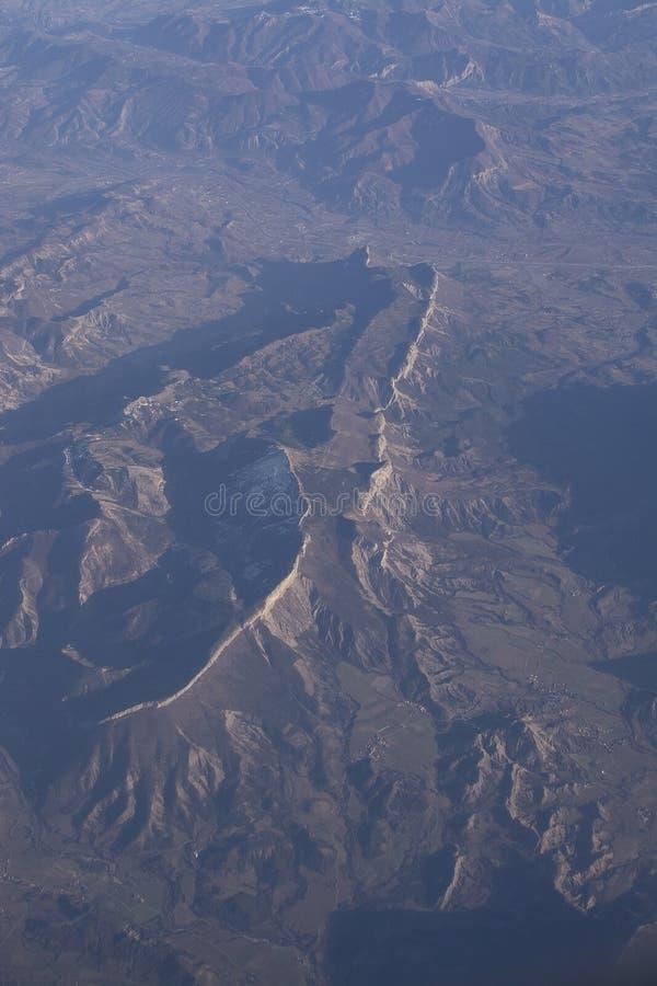 Niewygładzone góry z escarpment zdjęcia royalty free