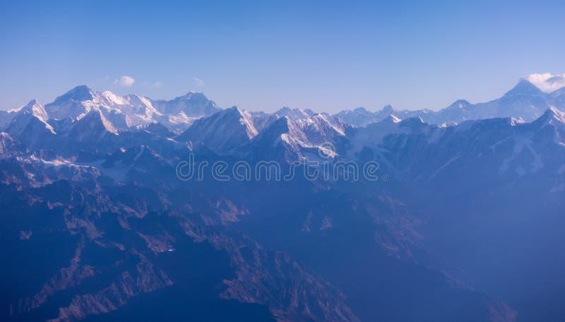 Niewygładzone Himalajskie góry w ranku świetle zdjęcia royalty free