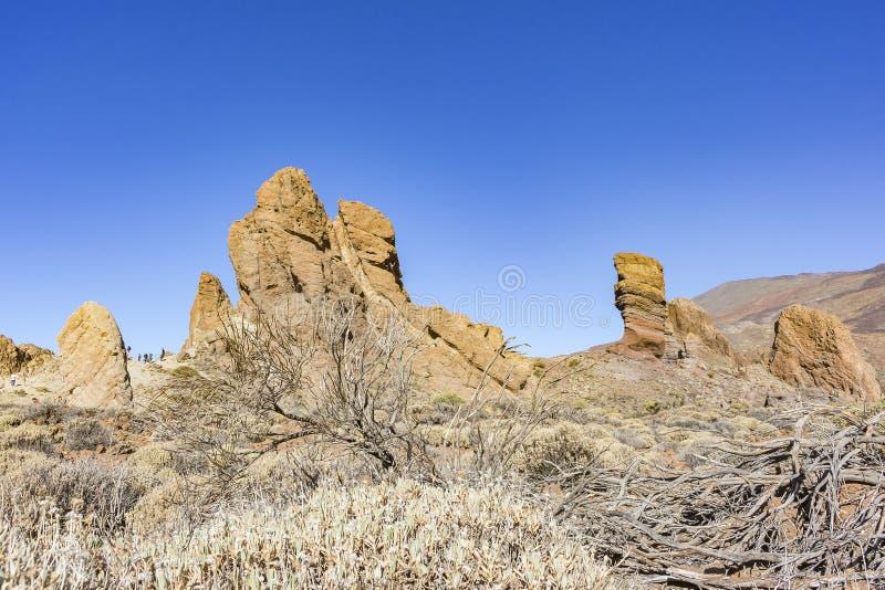 Niewygładzony krajobraz z skałami i udziałami szorstka pętaczka wokoło wulkanu El Teide na wyspie Tenerife, Hiszpania fotografia stock