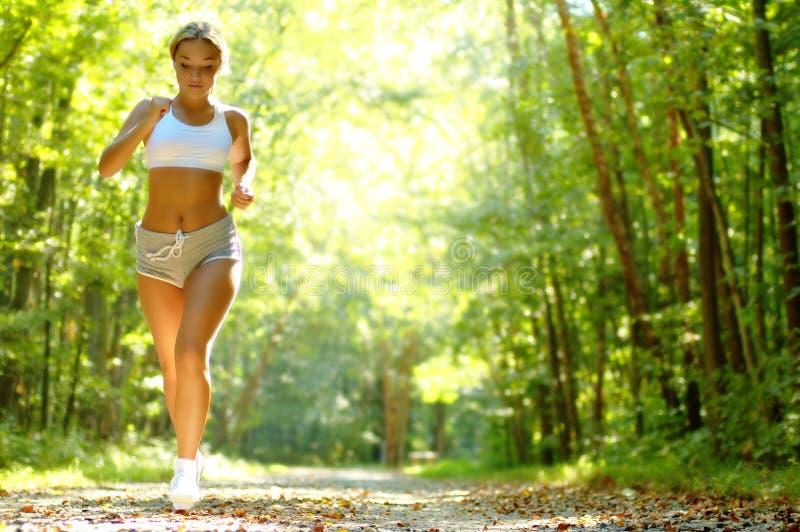 niezłe biegaczy young zdjęcie royalty free