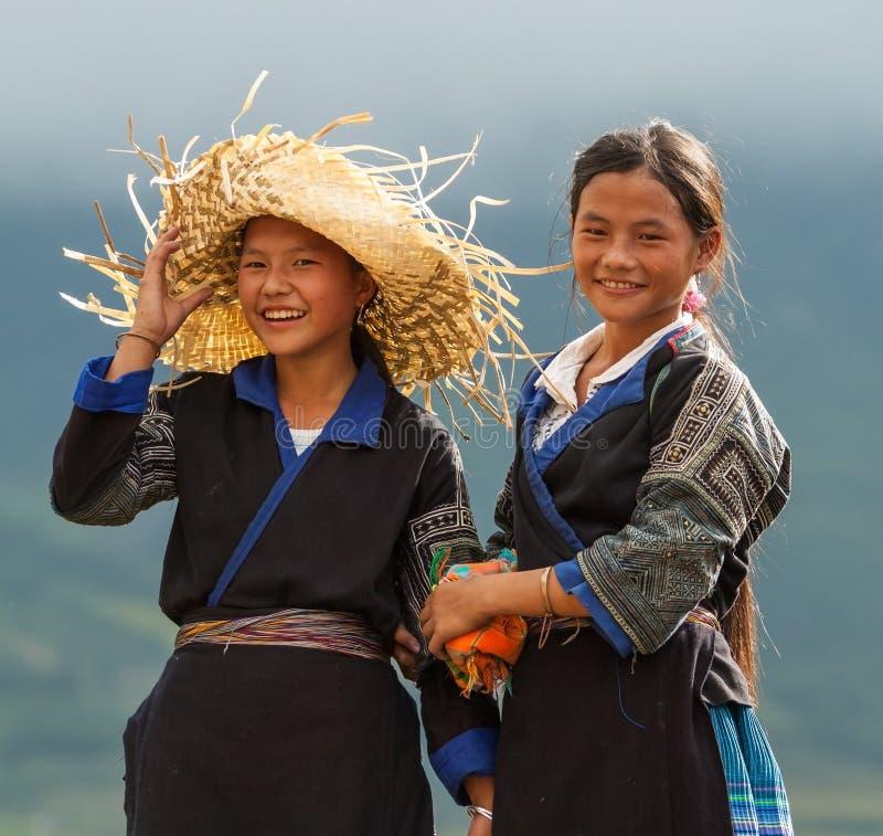 Niezidentyfikowana mniejszość etniczna w brzęczeniach Giang, Wietnam obrazy stock