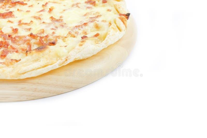 Nieznacznie pizza z bekonem i serem zdjęcia royalty free