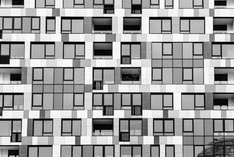 Niezwykła fasada multistoried budynek zdjęcie stock