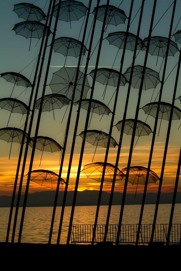 Niezwykłe parasolowe rzeźby fotografia royalty free