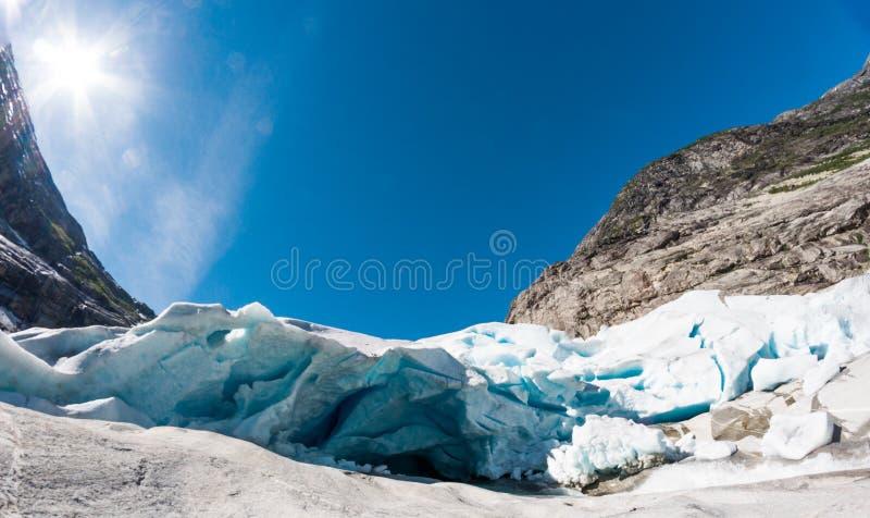 Nigardsbreen - Jostedalsbreen-gletsjer in Noorwegen royalty-vrije stock afbeeldingen