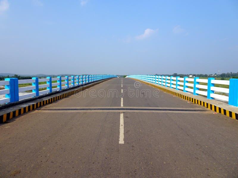 Nigdy kończyć Indiańskiego autostrada most, sukces sukces obrazy stock