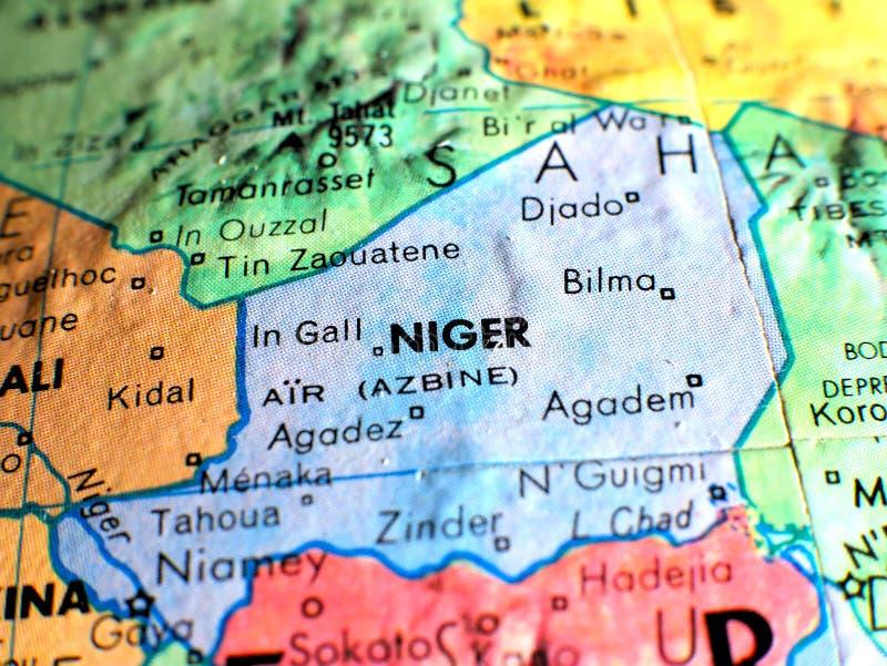 Niger Africa-Fokusmakroschuß auf Kugelkarte für Reiseblogs, Social Media, Websitefahnen und Hintergründe stockbilder