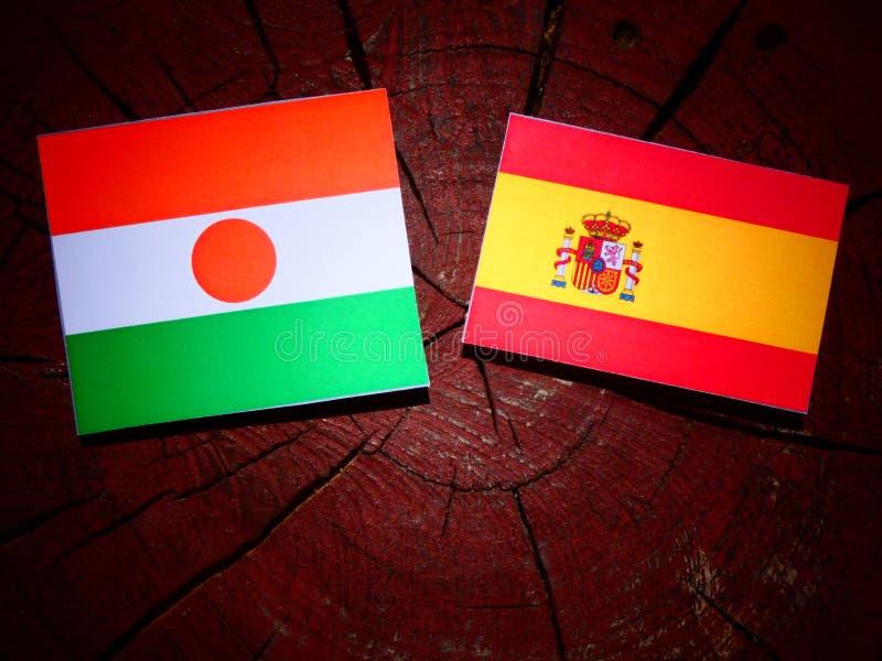 Niger flaga z hiszpańszczyznami zaznacza na drzewnym fiszorku obrazy royalty free