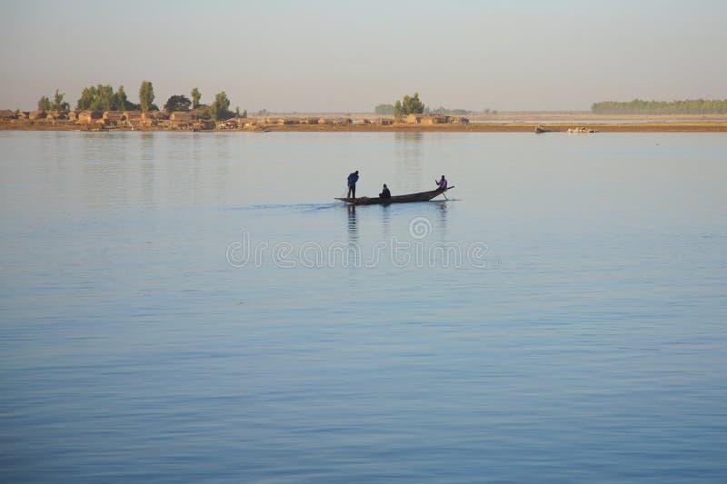 niger riverscene royaltyfria bilder