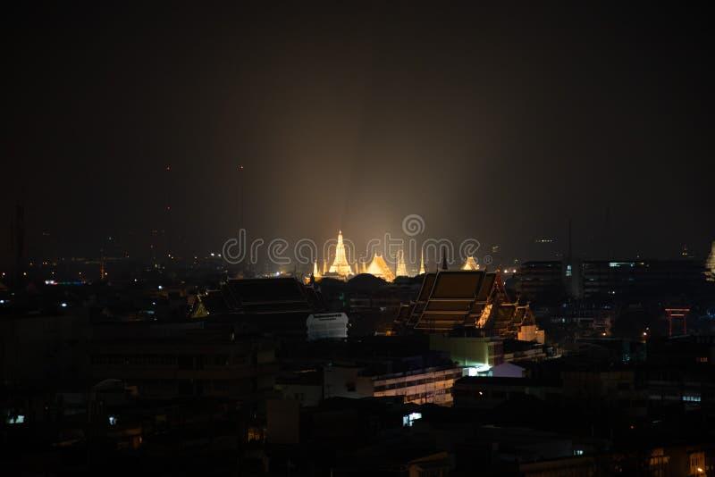 Nigh strzału odległy widok iluminująca Szmaragdowa świątynia fotografia royalty free