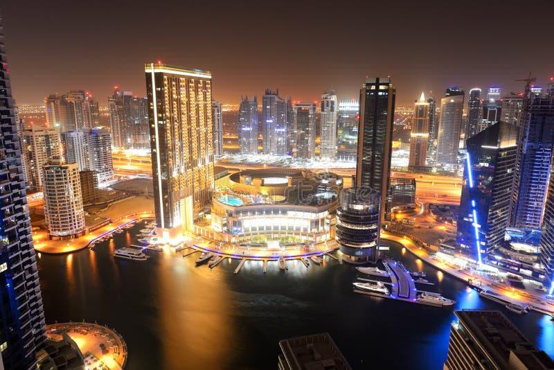 Download The Night Illumination Of Dubai Marina Editorial Image - Image of modern, pool: 36564825