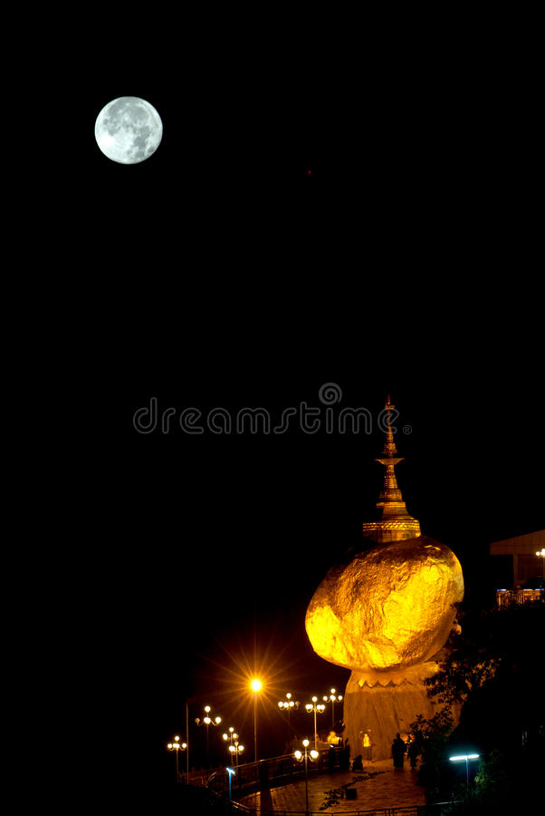 Night scene Kyaikhtiyo Pagoda in full Moon night. royalty free stock image