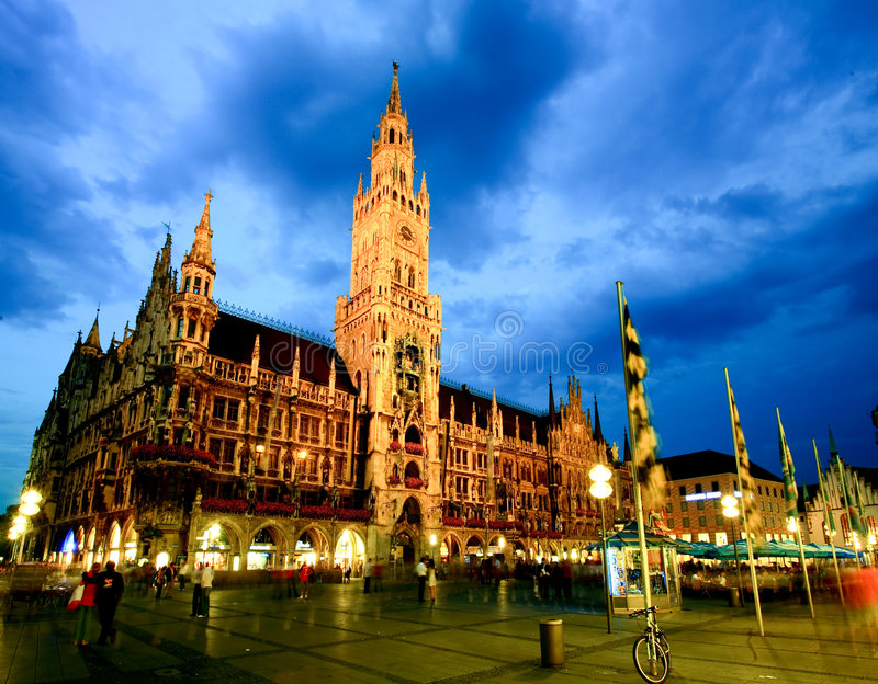 Download The Night Scene Of Munich Town Hall Editorial Stock Image - Image: 9174099