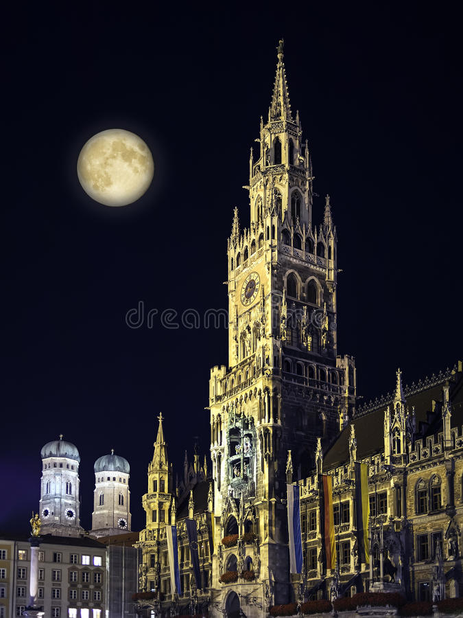 Download Night Scene Munich Town Hall And Moon Stock Image - Image: 33211527