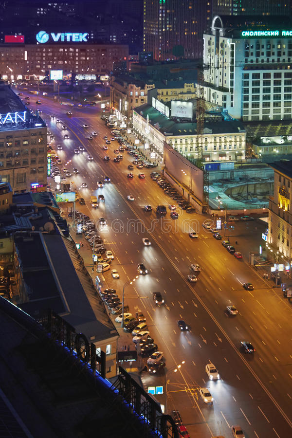Night traffic at intersection of Novinsky Boulevard and Smolenskaya Square