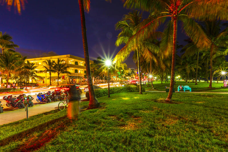 Download Night View At Ocean Drive In South Editorial Stock Photo - Image: 32608238