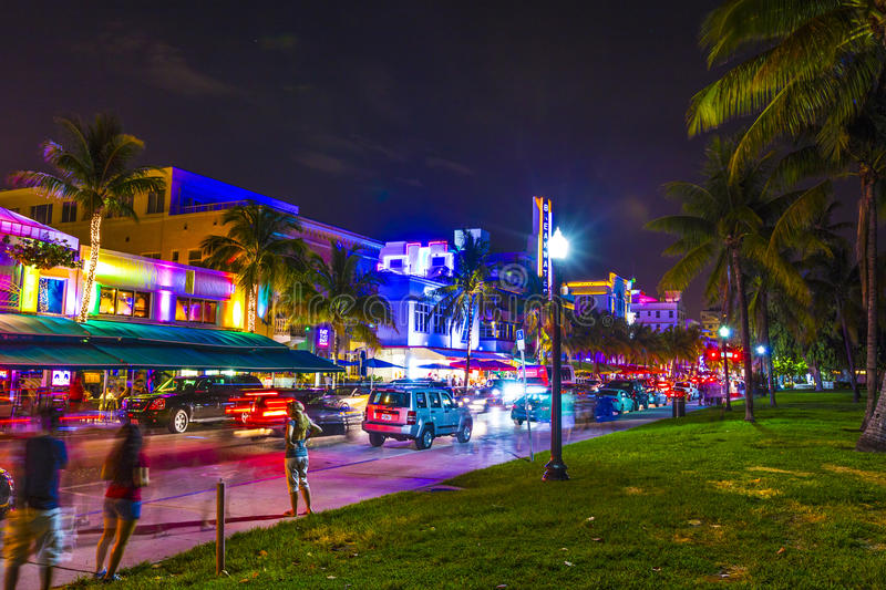 Download Night View At Ocean Drive In South Editorial Stock Photo - Image: 32843433