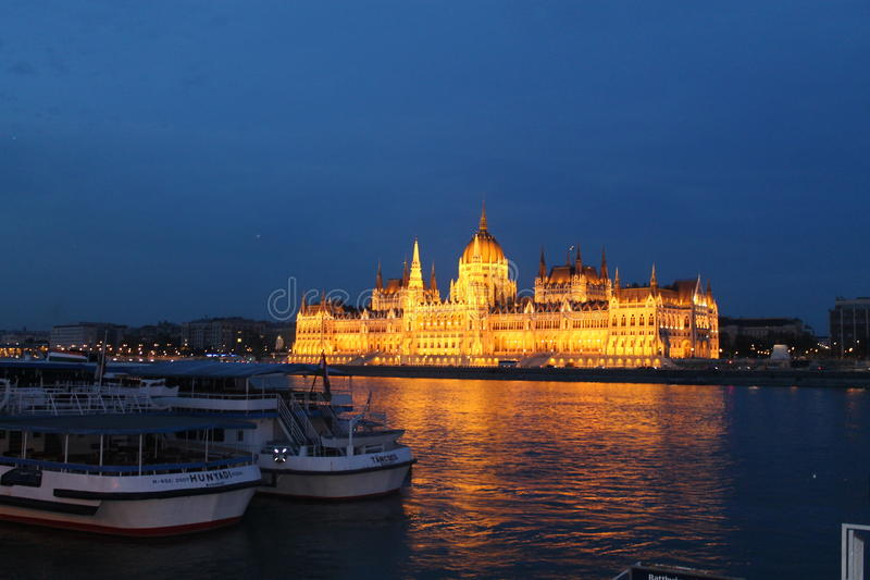 Night view to the Budapest Parliament stock photography
