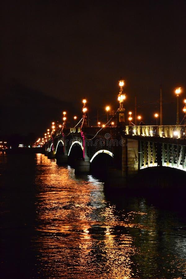 Download Night View Of The Troitsky Bridge Stock Image - Image: 22103157