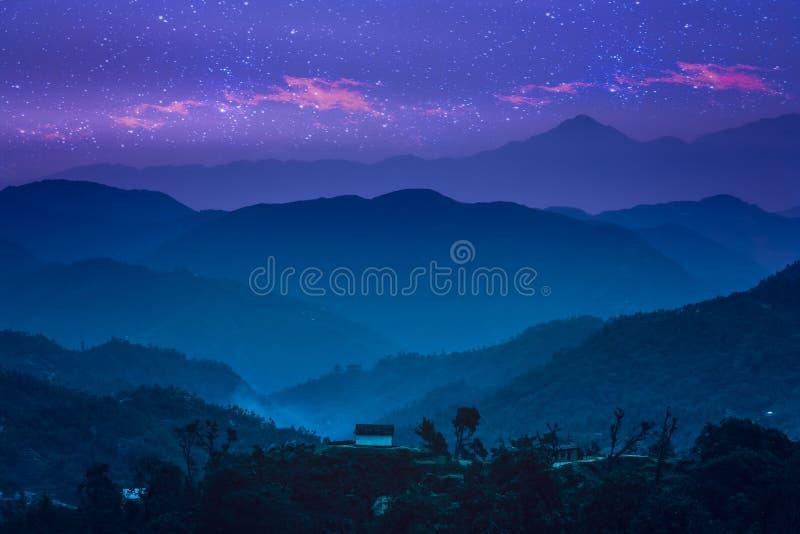Nightscape de l'Himalaya photo libre de droits