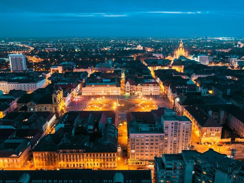 Nightscape de la ciudad europea Timisoara foto de archivo libre de regalías