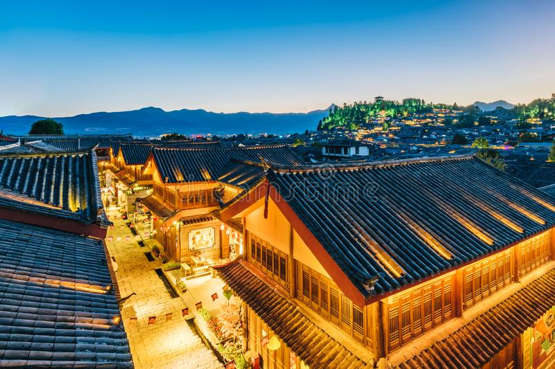 Nightscape de ville antique de Dayan, Lijiang, Yunnan, Chine image stock