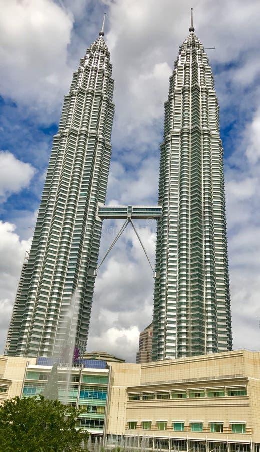 Nightscape Petronas bliźniacze wieże zdjęcie royalty free