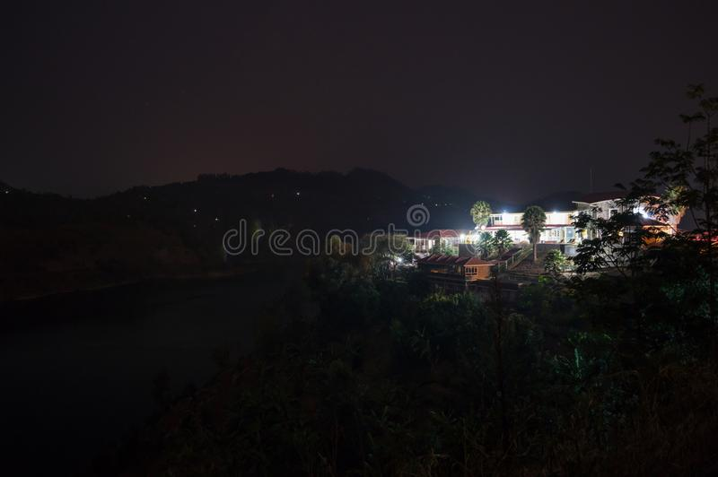 Nightshot d'une station de vacances chez le Lac Kivu, Kibuye, Rwanda photographie stock