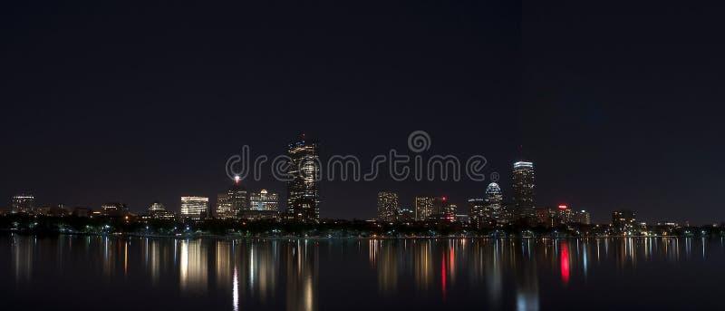 Nighttime МАМ Бостона горизонта Бостона стоковая фотография rf