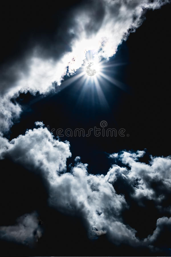 Nighttime sky with clouds, bright full moon would make a great b. Attractive photo of a nighttime sky with clouds, bright full moon would make a great background royalty free stock images