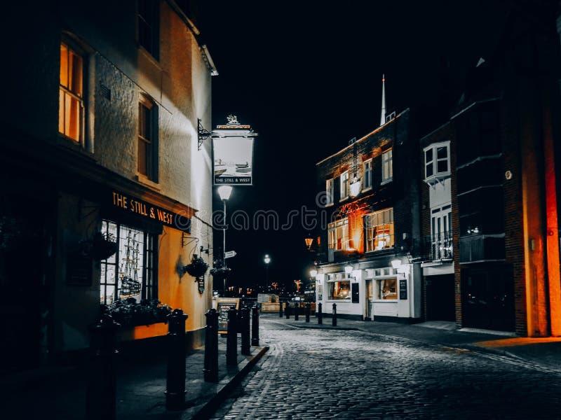 Nighttime w starym Portsmouth fotografia stock