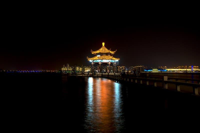 Nightview Jinjihu, на Сучжоу стоковые фото