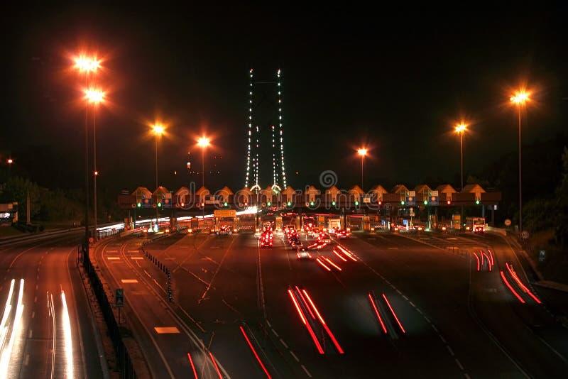 Nightview op tolweg stock afbeeldingen