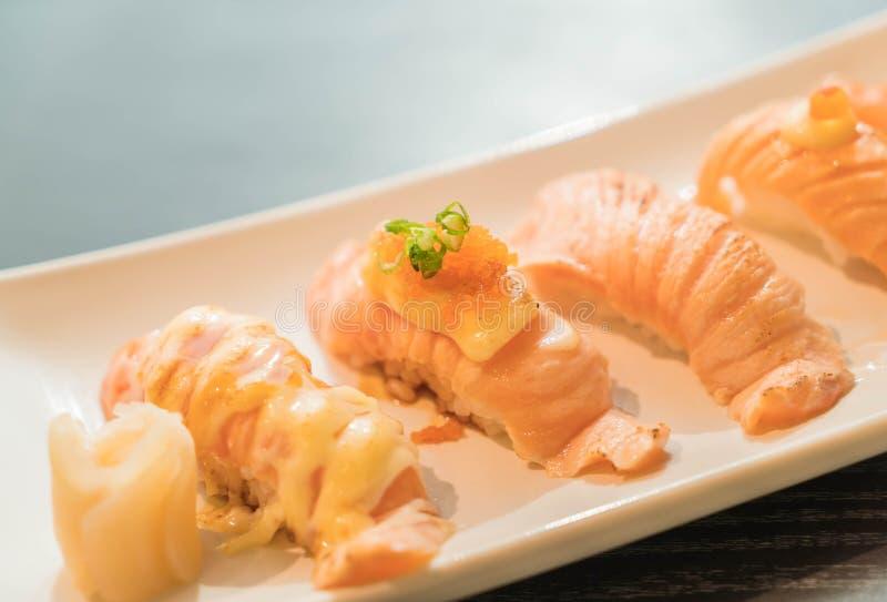 Nigiri di color salmone immagine stock libera da diritti