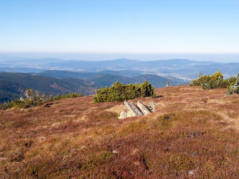 Nik del ¼ de ÅšnieÅ, el pico más alto del macizo del nik del ¼ de ÅšnieÅ foto de archivo