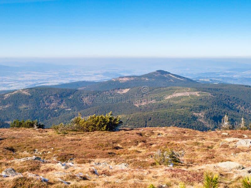 Nik del ¼ de ÅšnieÅ, el pico más alto del macizo del nik del ¼ de ÅšnieÅ imagen de archivo