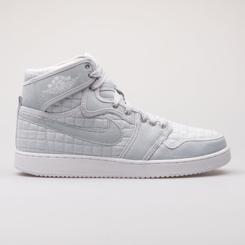 Nike Air Jordan 1 sapatilha branca OG da platina alta do nocaute imagens de stock royalty free