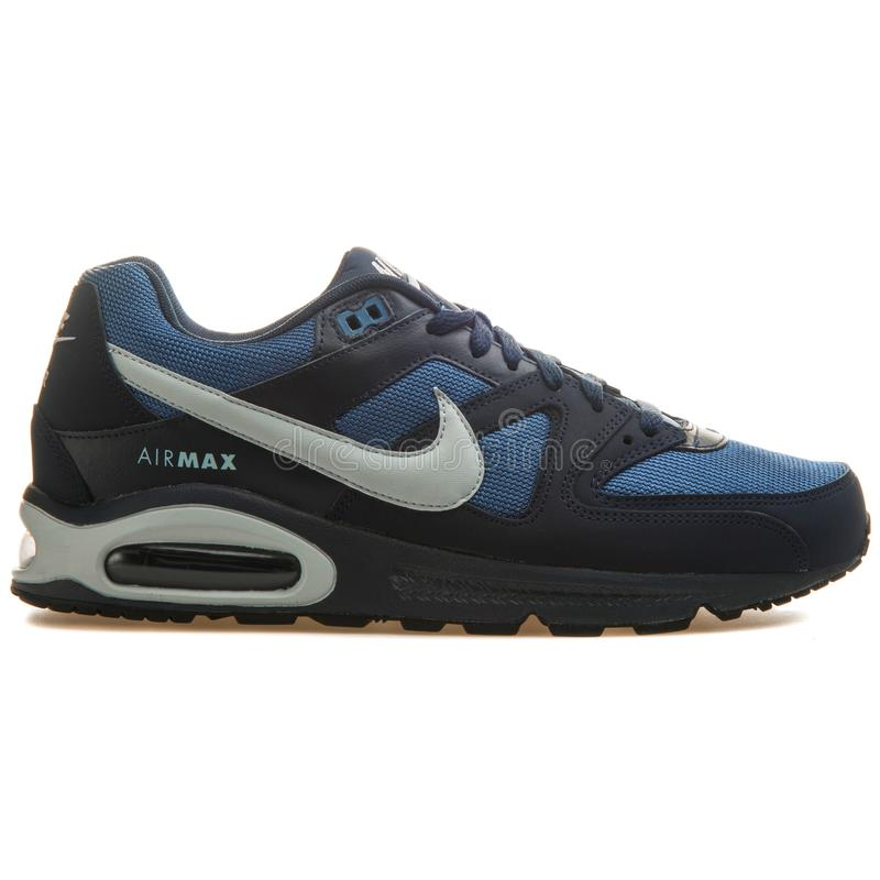 hipótesis tubo respirador cáustico  Nike Air Max Command Blue And Green Sneaker Editorial Photography - Image  of leather, isolated: 147992917