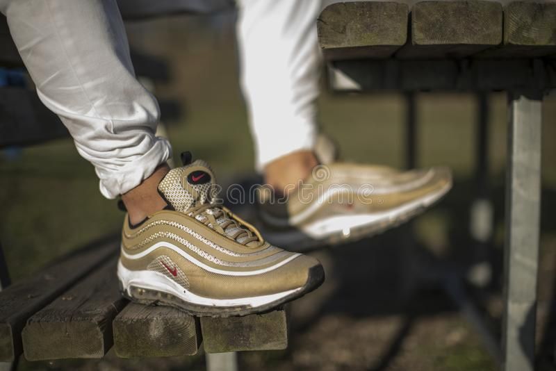 air max 97 italy in gold