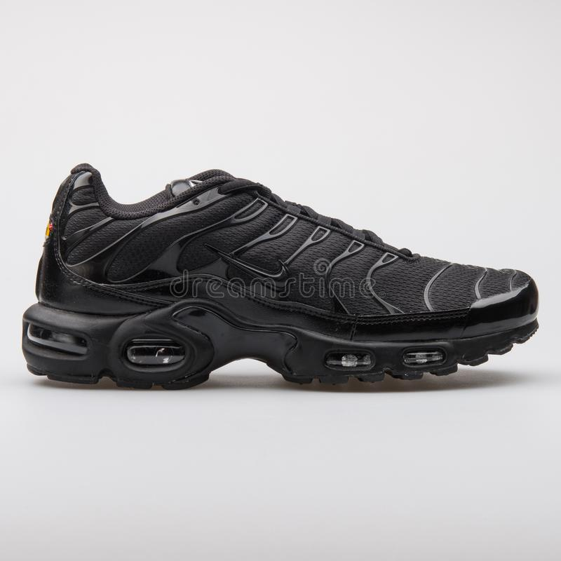 c29998c4 Nike Air Max Plus TN Hyperblue Editorial Photo - Image of running ...