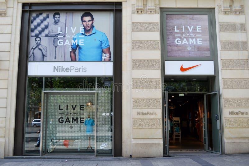 Nike armazena, Paris imagens de stock