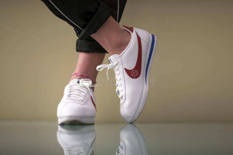 Nike Cortez binnen royalty-vrije stock foto's